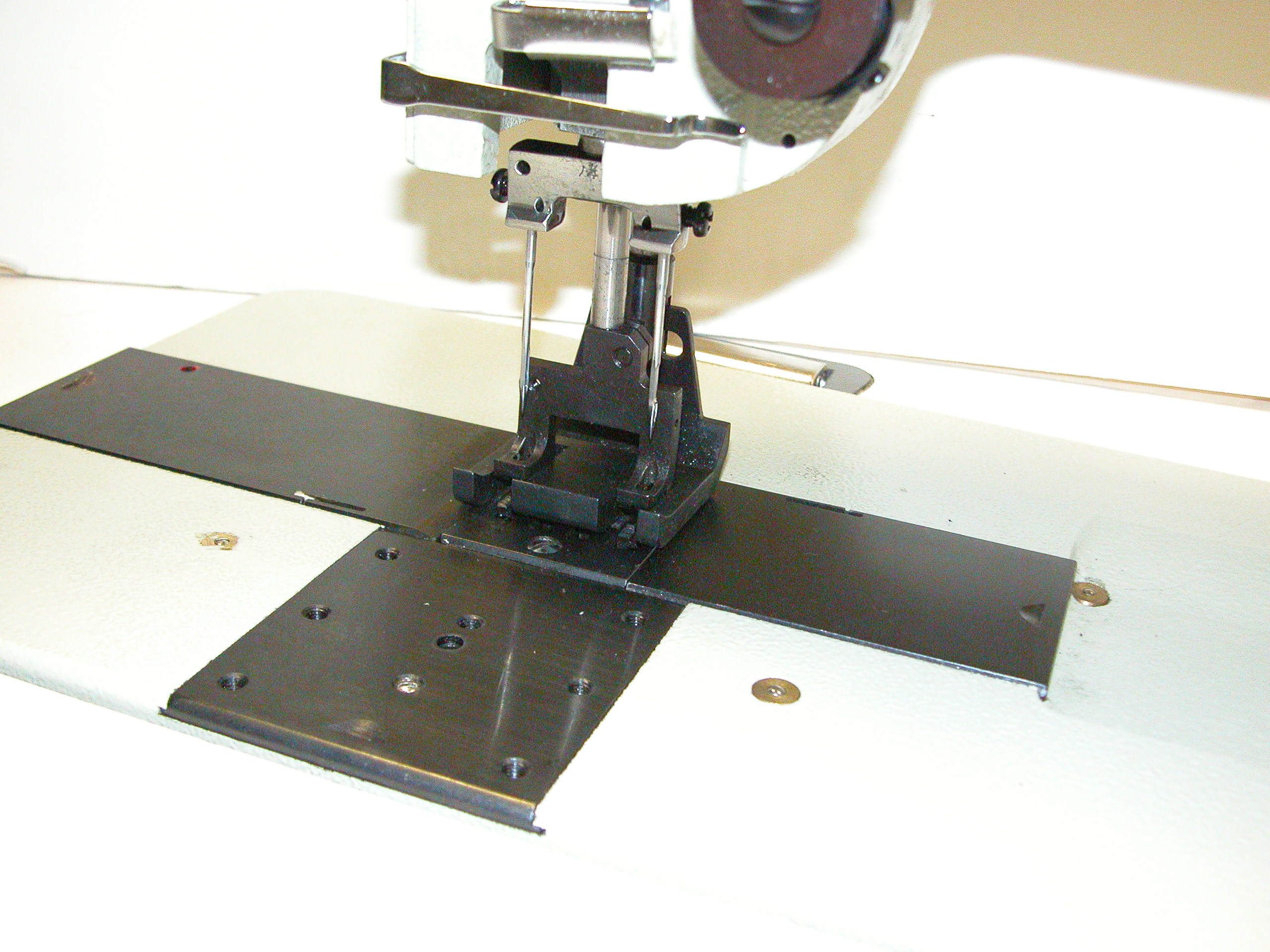 Typical TW28-BL12 Sewing Machine
